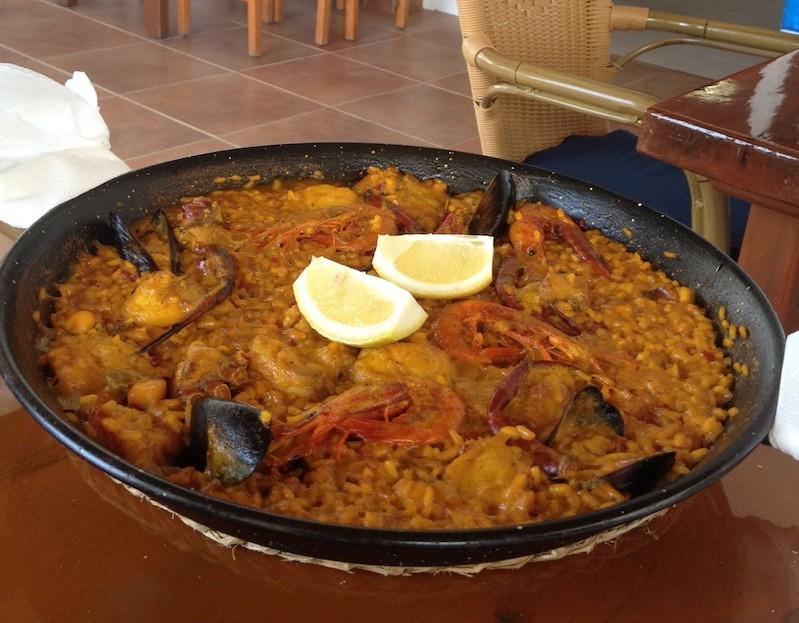 Paella de pescado a Formentera
