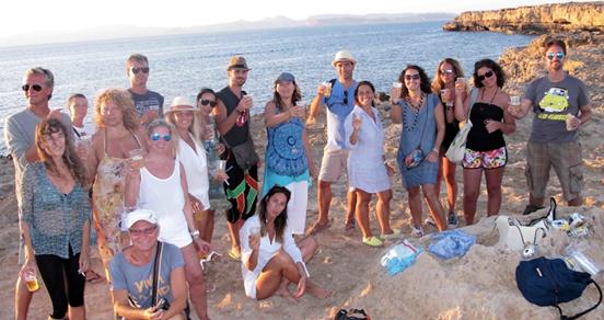 gruppo di partecipanti al formentera non esiste live 2014